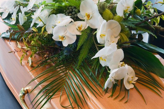 kiste med blomster